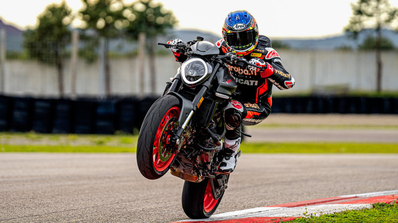 Redesigned Ducati Monster gains power and loses weight