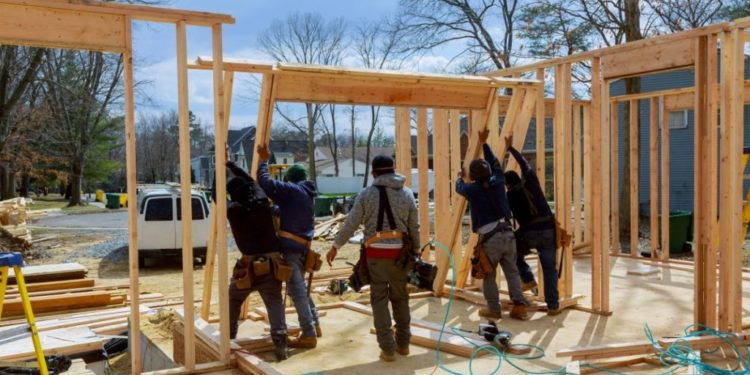 As costs rise, builder confidence falls from document highs